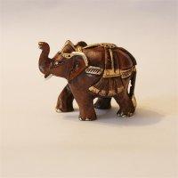 Elefant, geschmückt, Rüssel hoch, dunkel, 6,25 cm