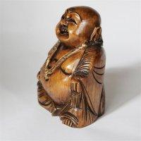Lachender Buddha aus Holz, sitzend, dunkel, ca. 10 cm