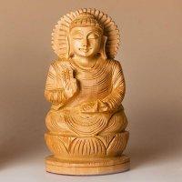 Buddha auf Lotus, segnend, aus Holz ca. 10 cm hoch