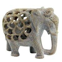 Babyelefant in Elefant aus Speckstein, Rüssel unten,...